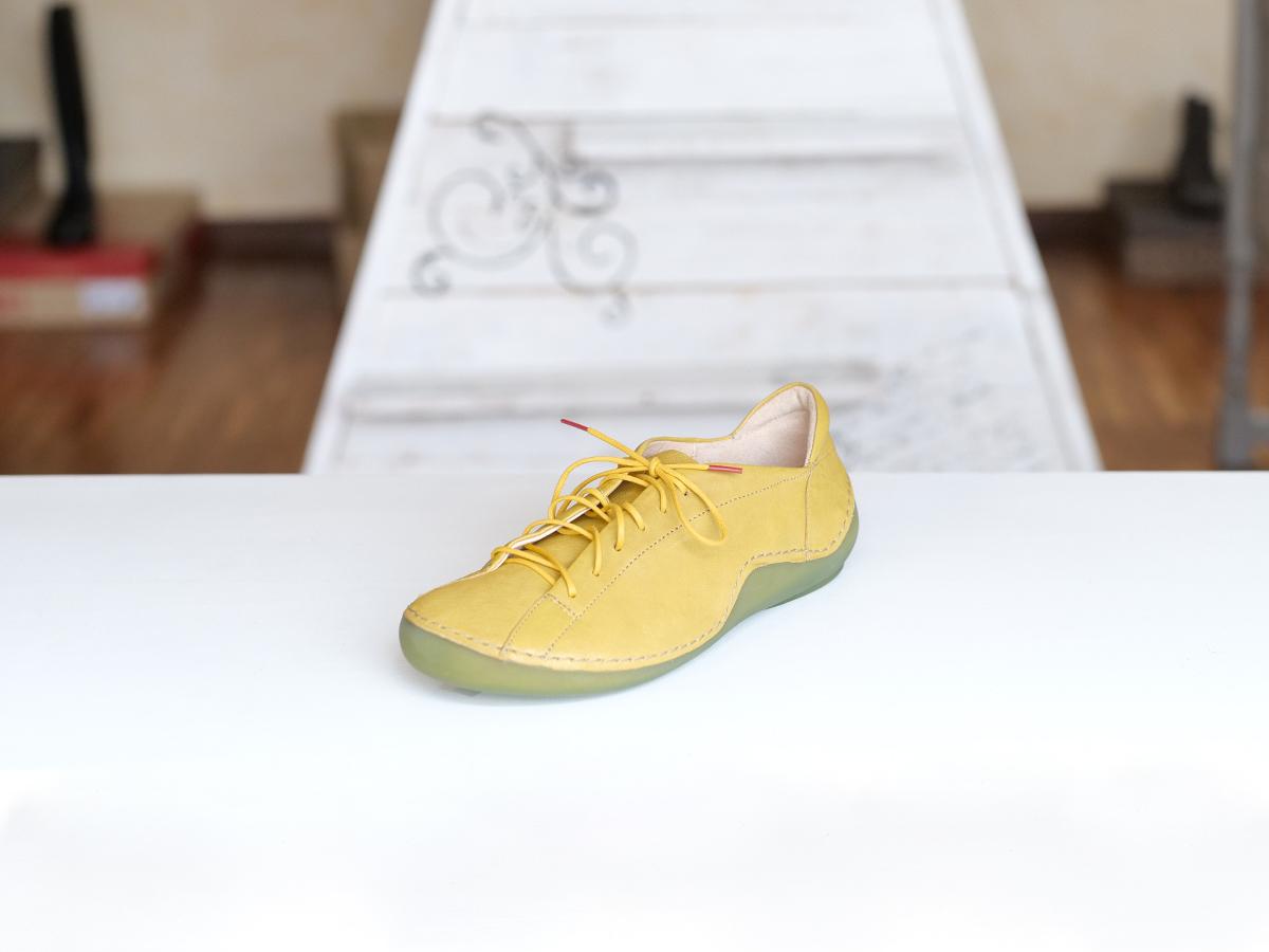 Think Kapsel chaussure safran à lacet