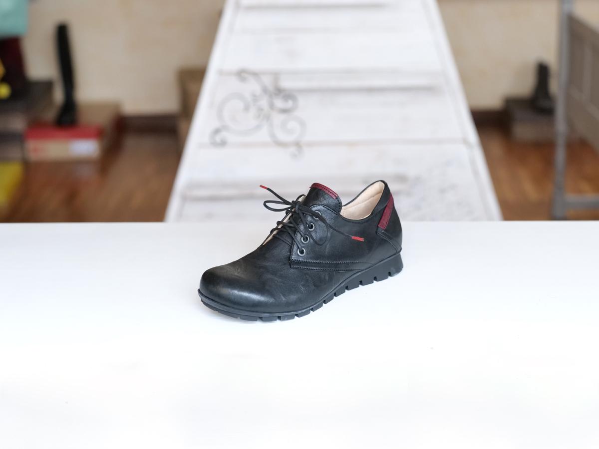 Think Denk chaussure noire
