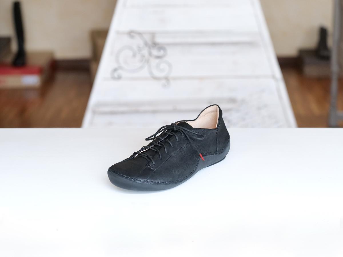 Think Kapsel sneaker noire